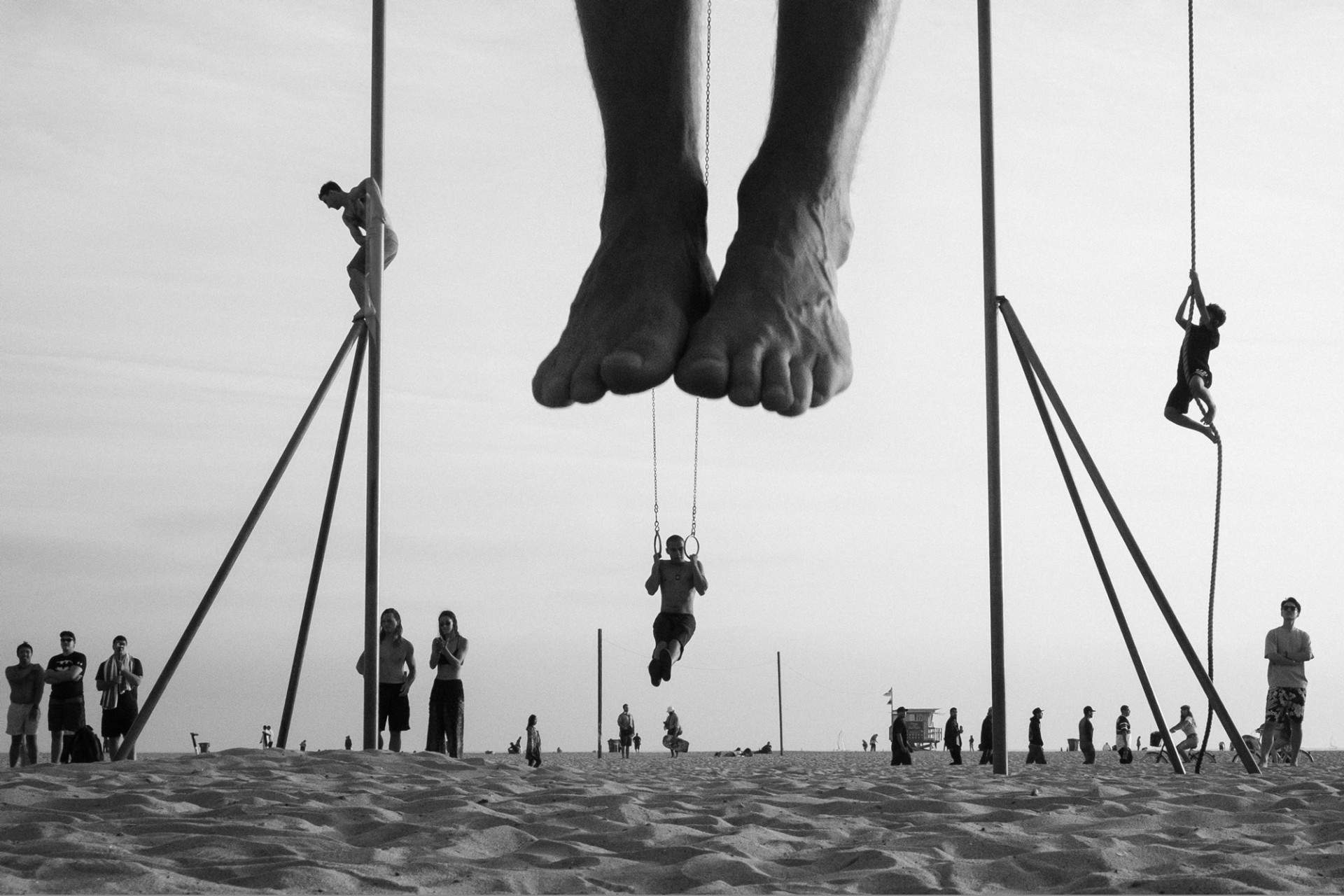 Forced perspective black and white photography by moises levy